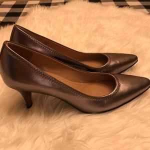 Ladies dress shoes Pewter color